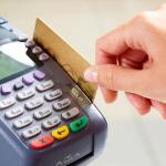 Что делать, если в магазине или ресторане вам сказали, что на карте нет денег?