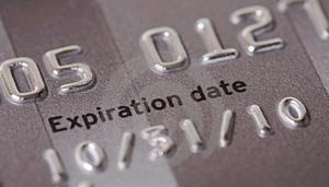 Что делать, когда закончился срок действия кредитной карты